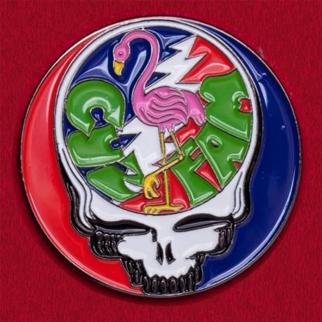 Коллекционный значок Grateful Dead с розовым фламинго