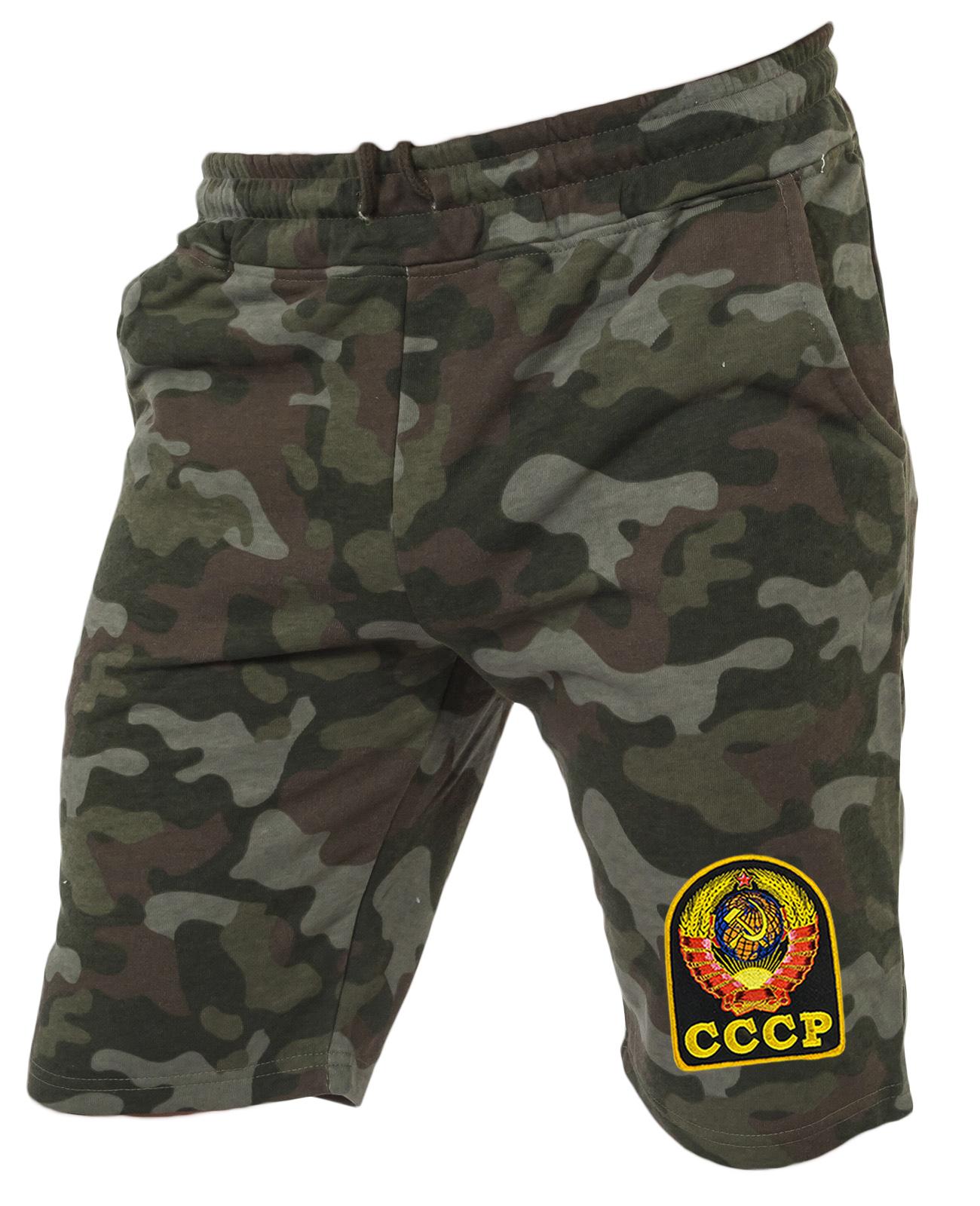 Комфортные шорты удлиненного фасона с нашивкой СССР