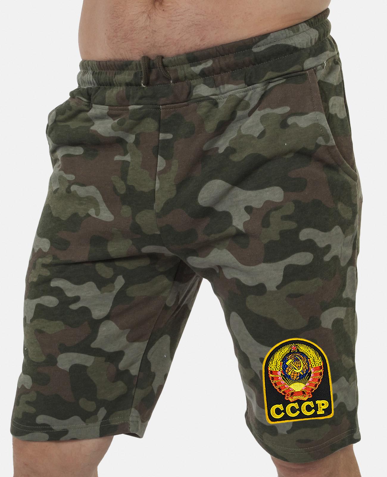 Купить комфортные шорты удлиненного фасона с нашивкой СССР с доставкой в любой город