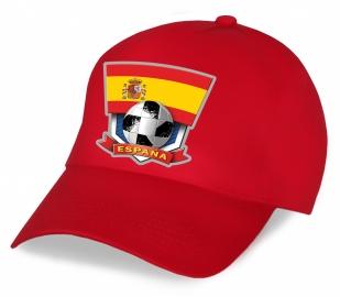 Красная бейсболка с флагом Испании