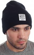 Стильная молодежная шапка от Neff