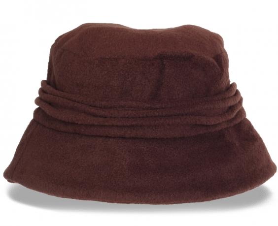 Коричневая женская шляпка из флиса. Незаменимый теплый аксессуар последней модной тенденции. В ней всегда будет уютно и тепло!