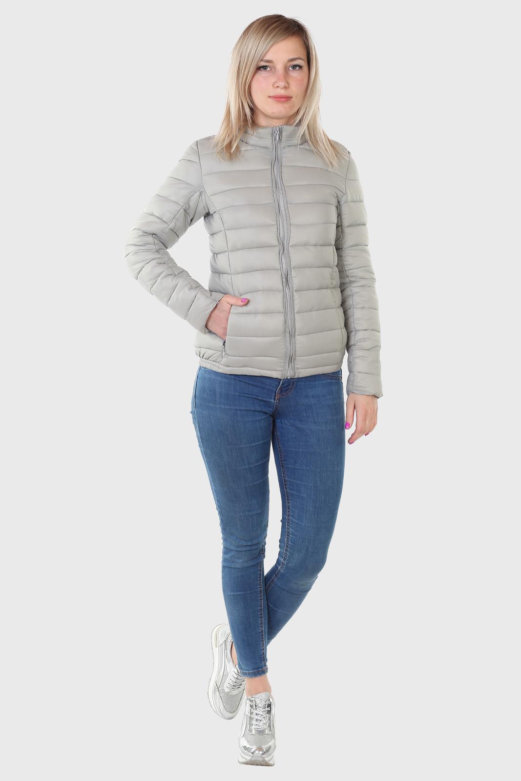 Стеганая молодежная куртка для девушки