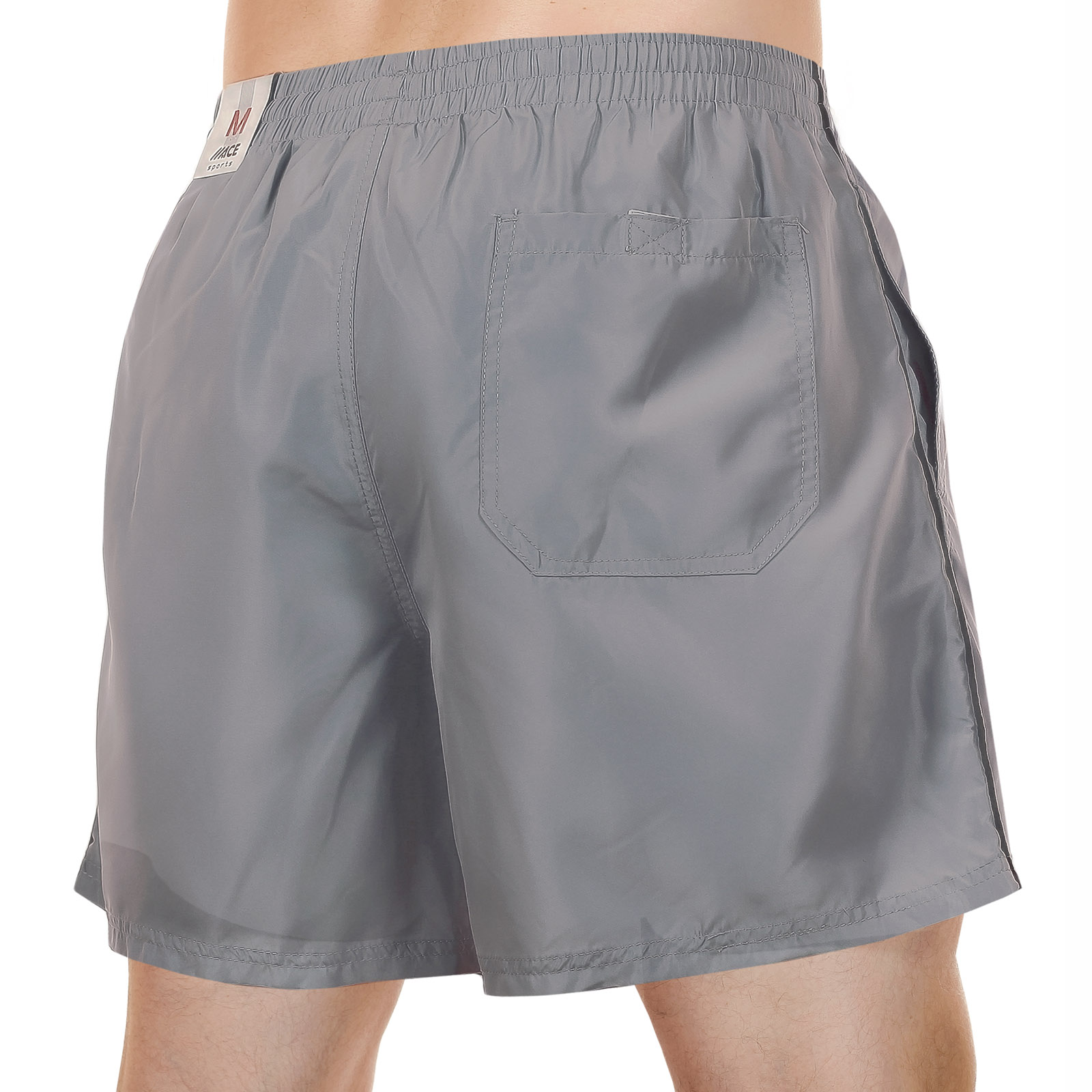 Короткие шорты от канадского бренда MACE по низкой цене