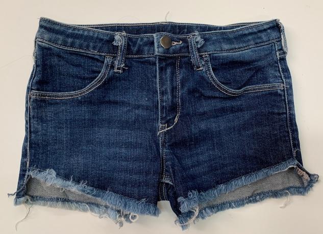 Короткие шорты с бахромой для девочек