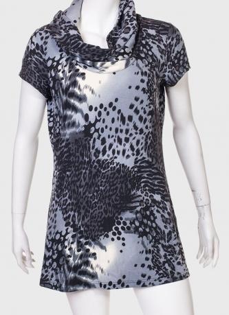 Короткое платье с хомутом