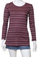Красивая красная кофта-свитер
