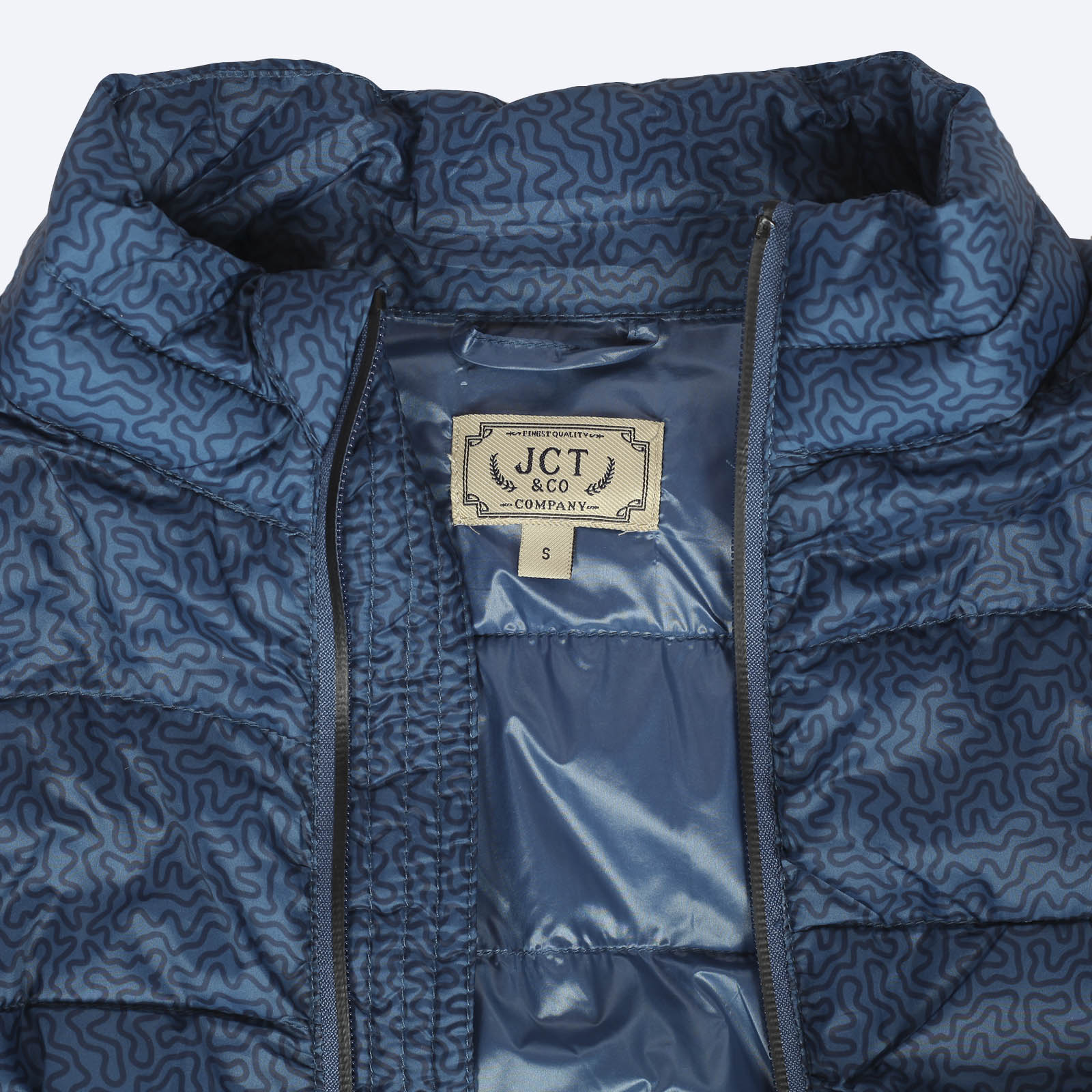 Красивая женская демисезонная куртка от JCT & CO (США).