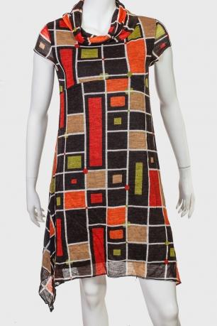 Красивое ассиметричное платье.