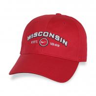 Красная бейсболка Wisconsin.
