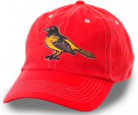Красная кепка Baltimore Orioles – атрибут бейсбольного клуба Балтиморские Иволги. Модель 2 в 1: элемент повседневного стиля и спортивный аксессуар