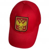 Красная кепка с гербом РФ