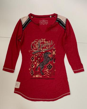 Красная кофта с принтом для девушек