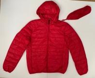 Красная мужская куртка