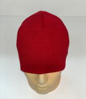 Красная простая шапка