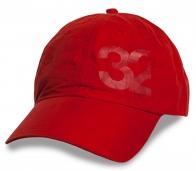 Красная топовая бейсболка 32