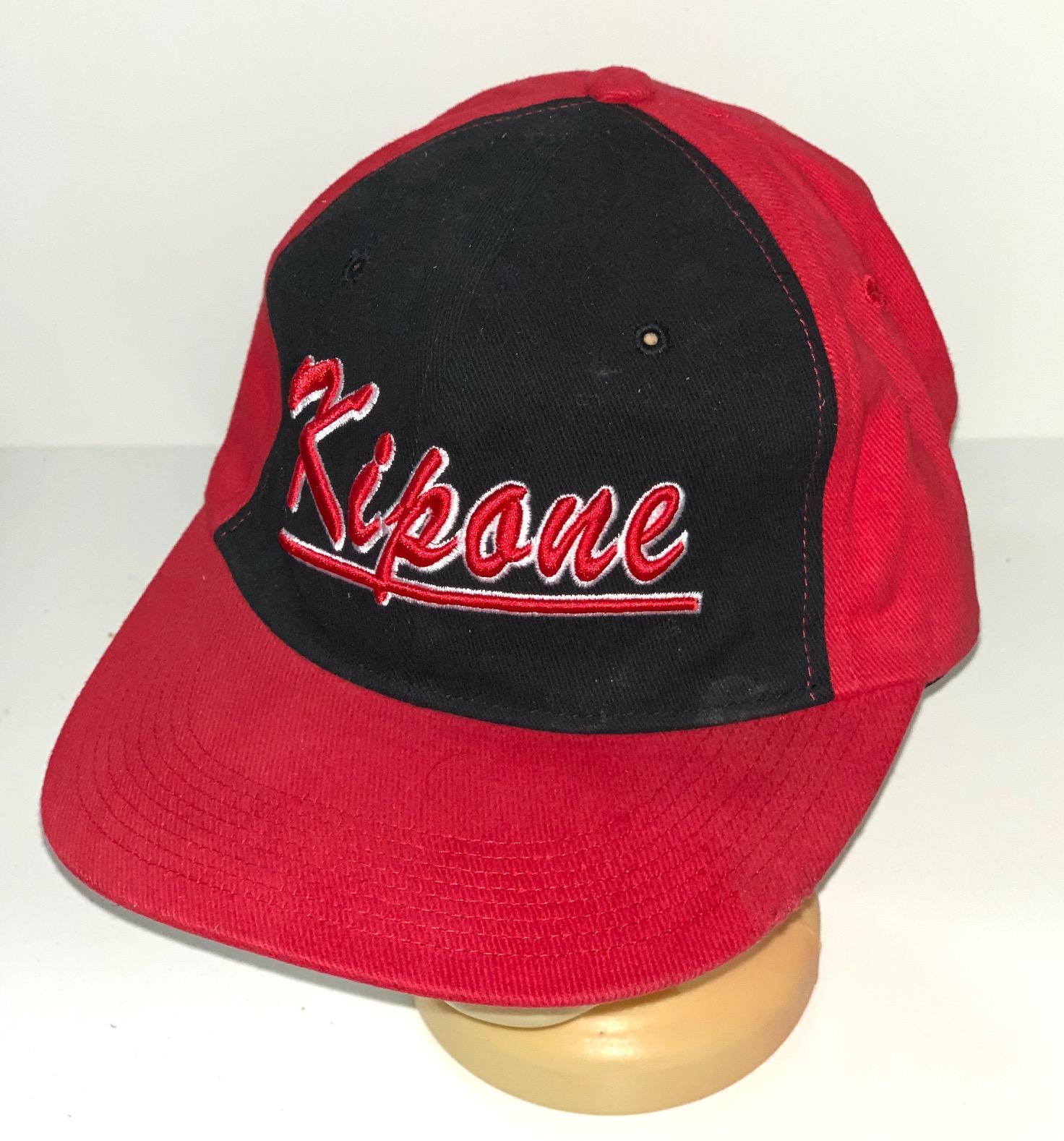 Красно-черная кепка снепбек Kipone