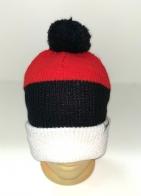 Красно-черная шапка с помпоном и белым отворотом