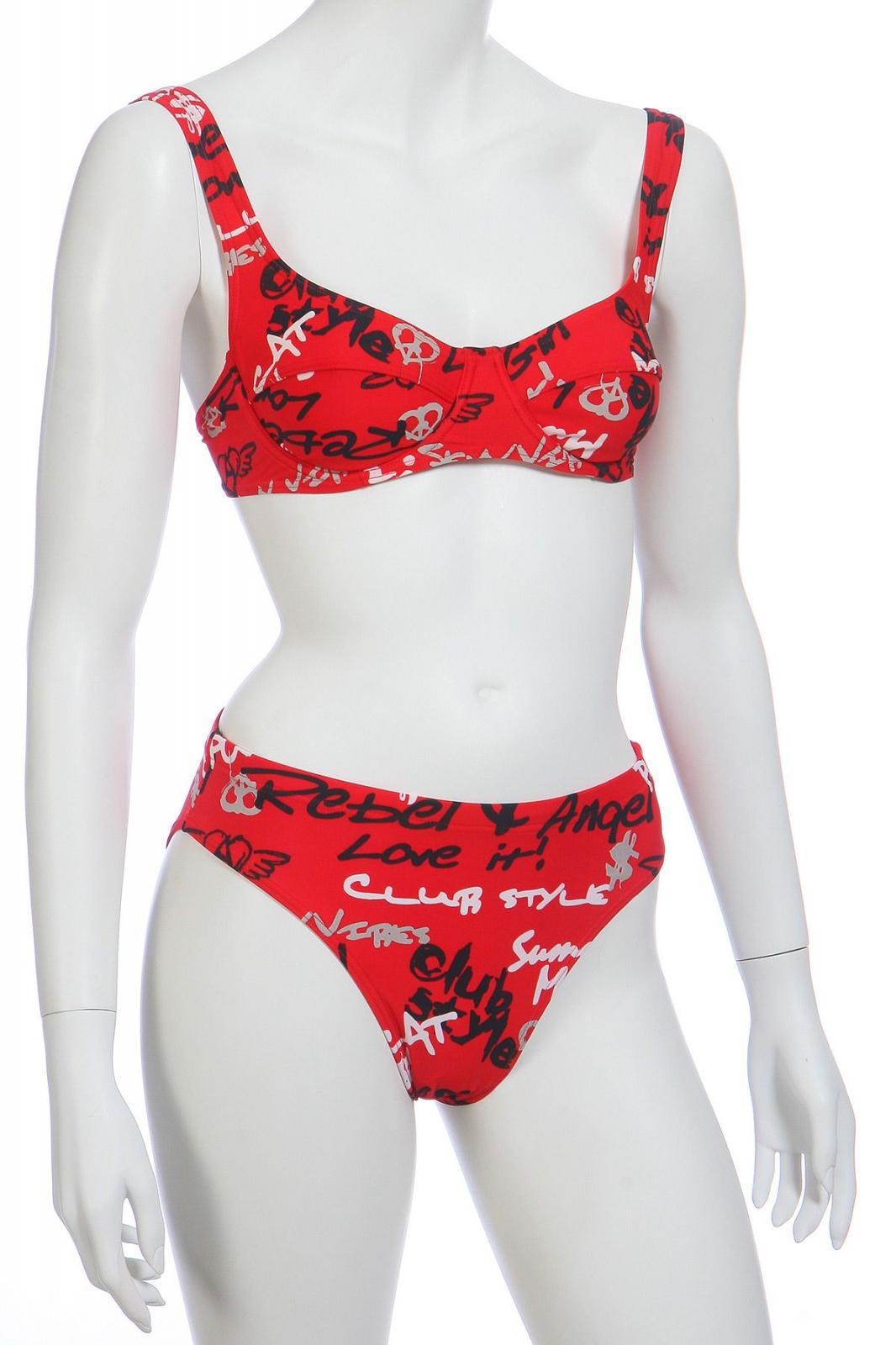 Красный купальник для женщин