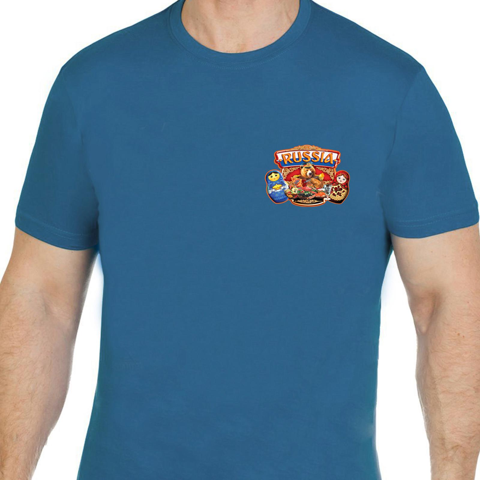 Креативная футболка RUSSIA «Медведь за столом».