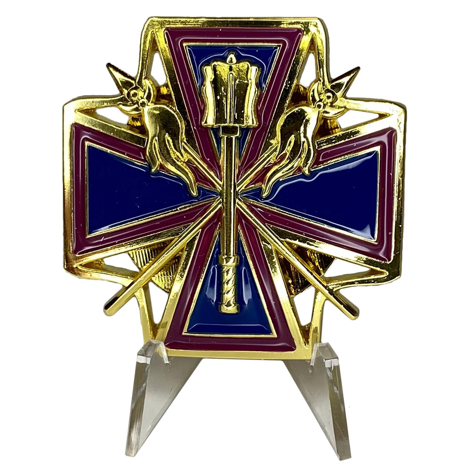 Крест За заслуги перед Кубанским казачеством на подставке