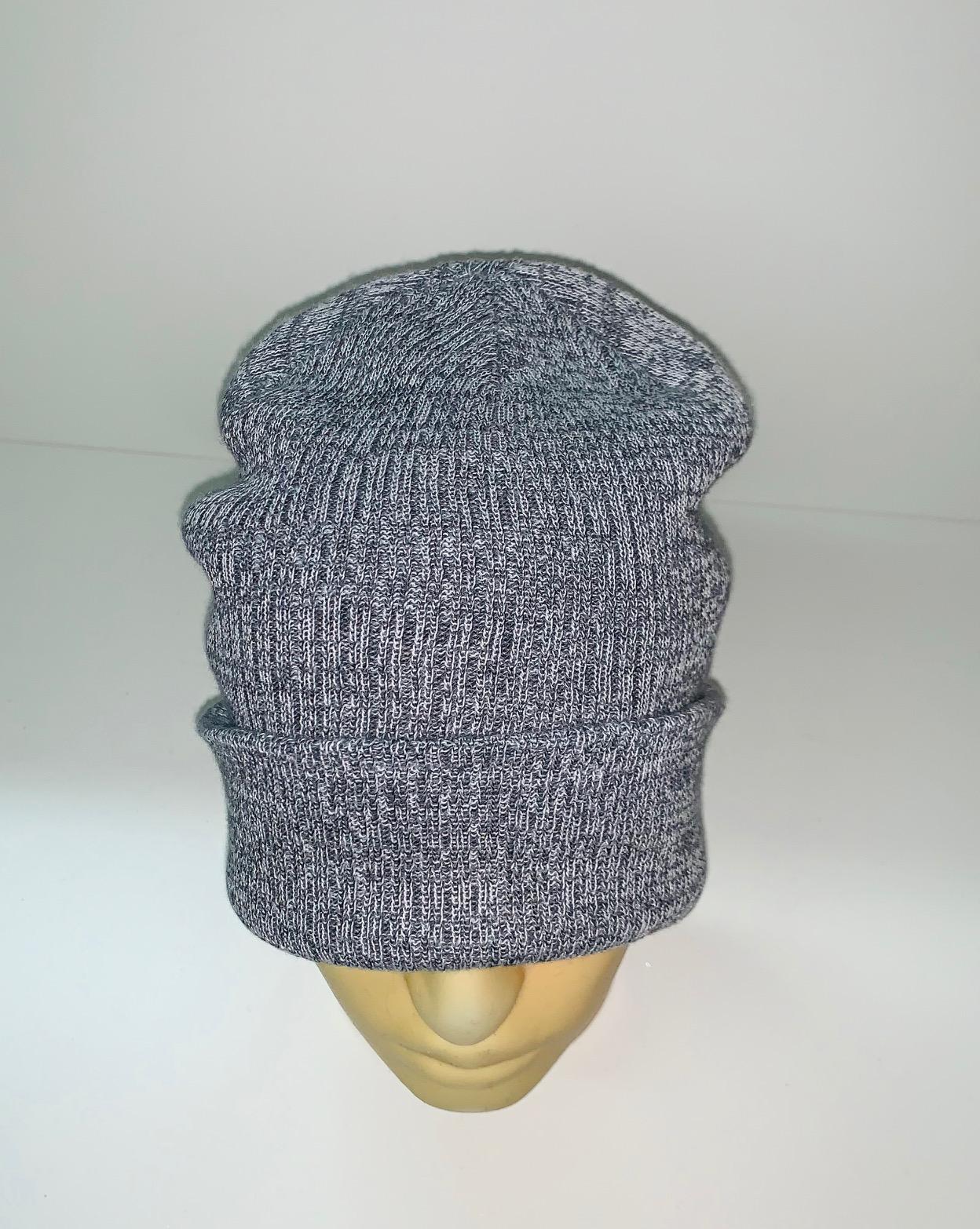 Крутая шапка серого цвета
