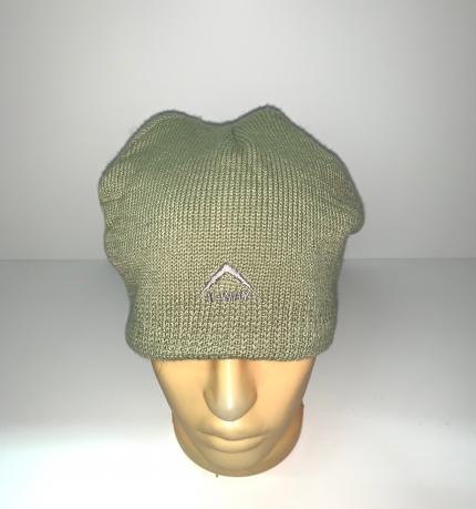 Крутая шапка цвета олива