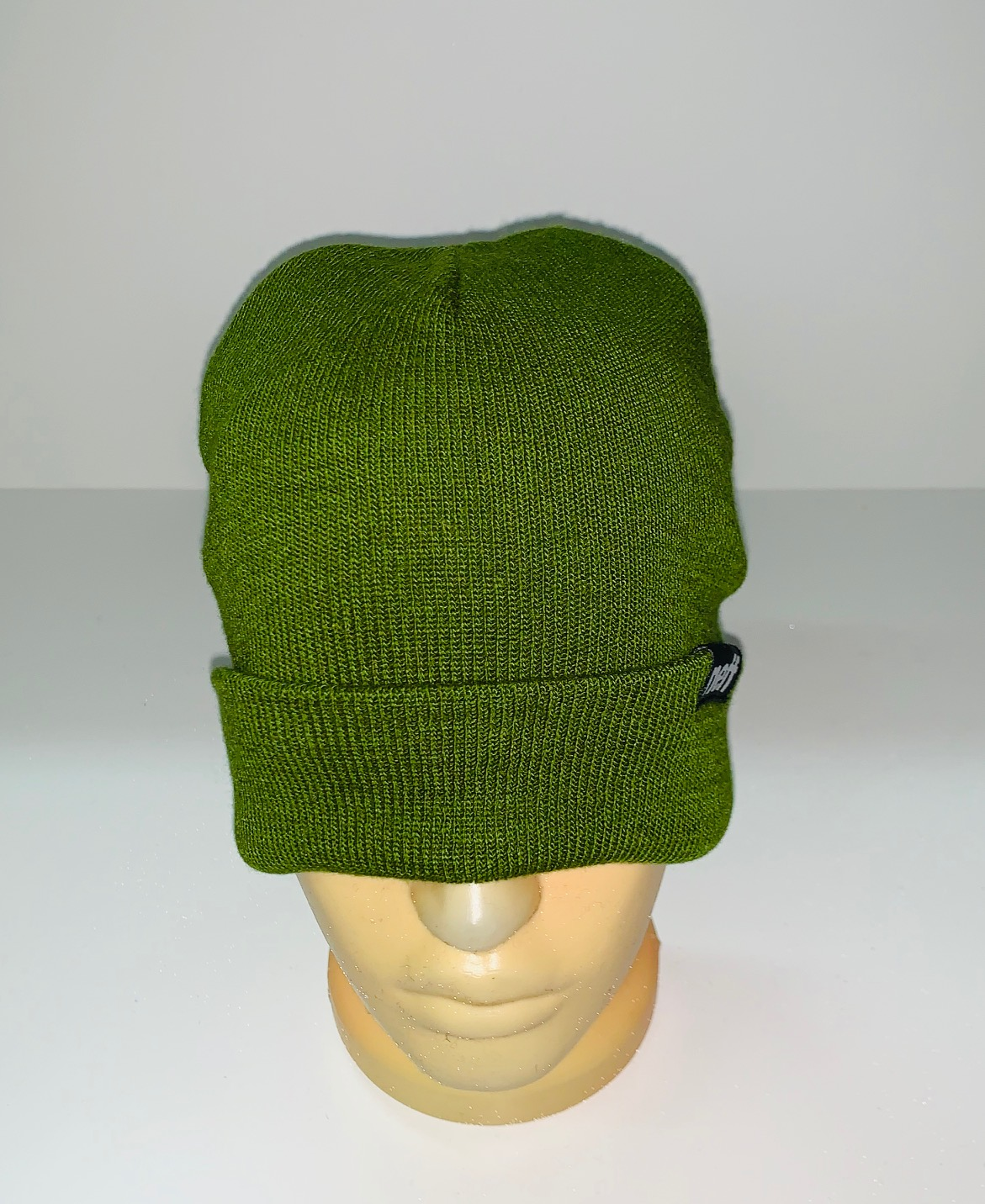 Крутая сочно-зеленая шапка