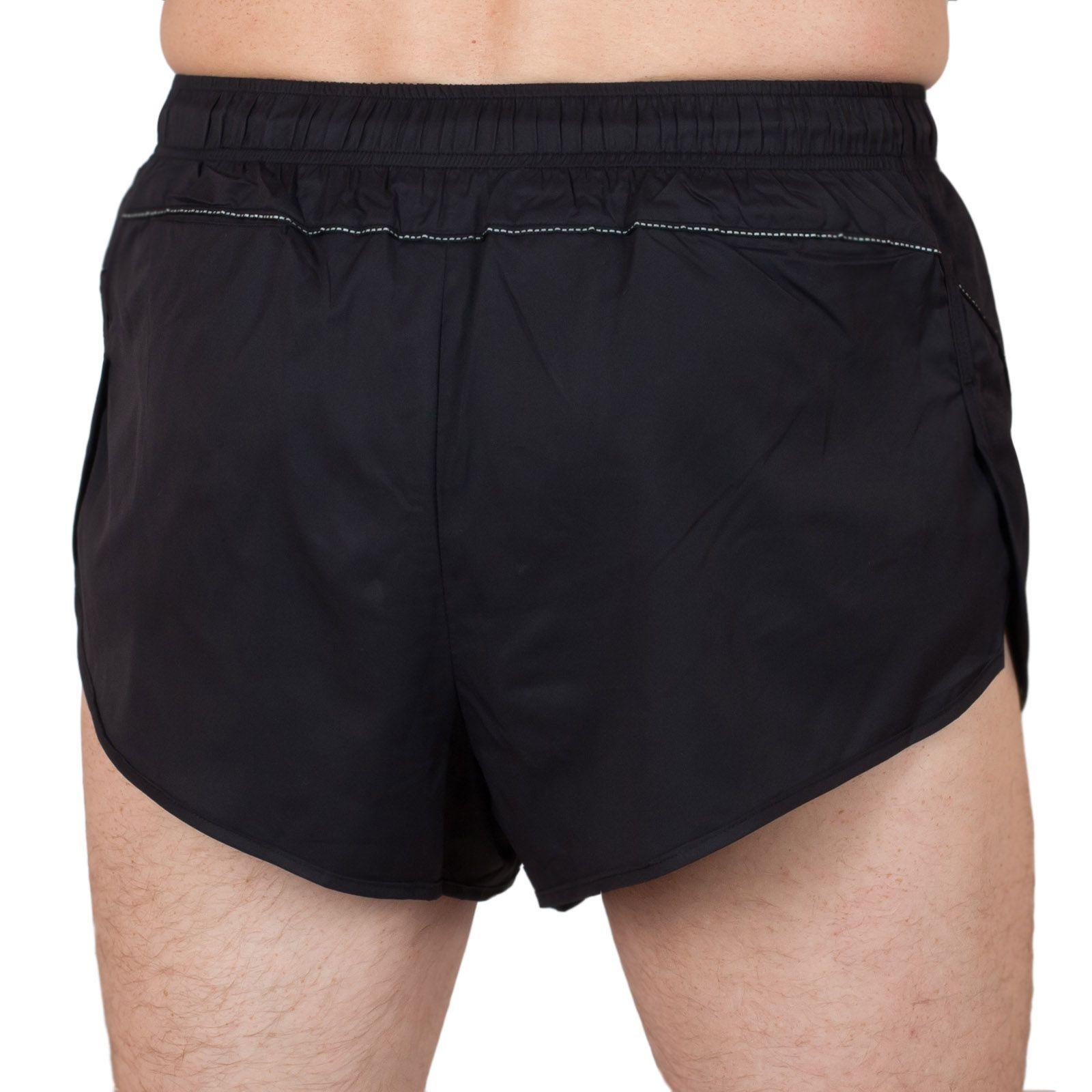 Курортные шорты для мужчин - вид сзади