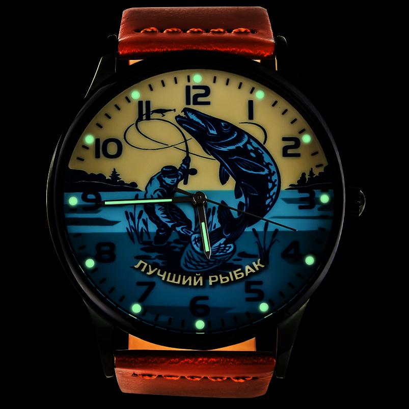 Кварцевые часы «Лучшему рыбаку» - с подсветкой
