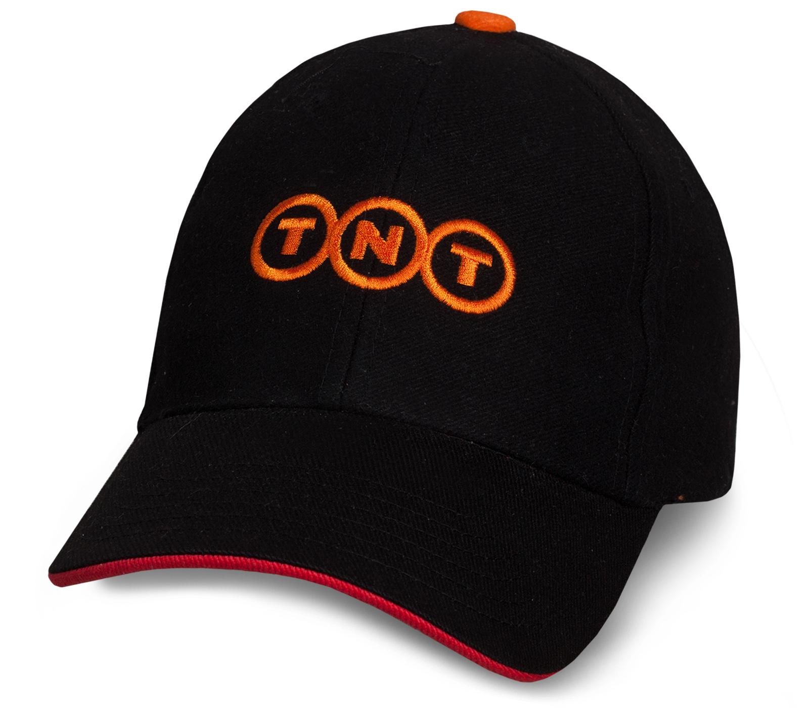 Лаконичная черная бейсболка TNT