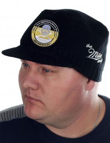 Лаконичная черная шапка с козырьком от бренда Miller Way - купить онлайн