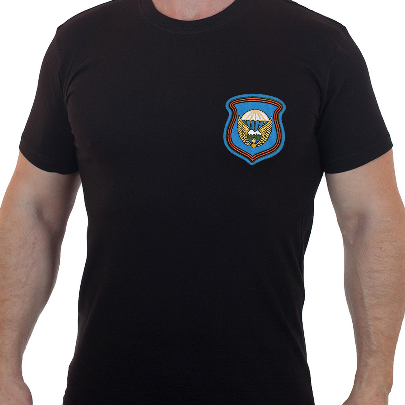 Лаконичная футболка с вышитой эмблемой 7 гв. ДШД - купить онлайн