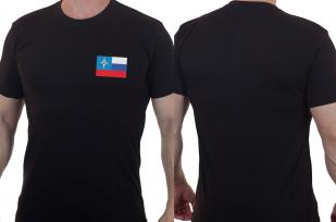 Лаконичная футболка с вышитым шевроном МЧС России - купить в Военпро