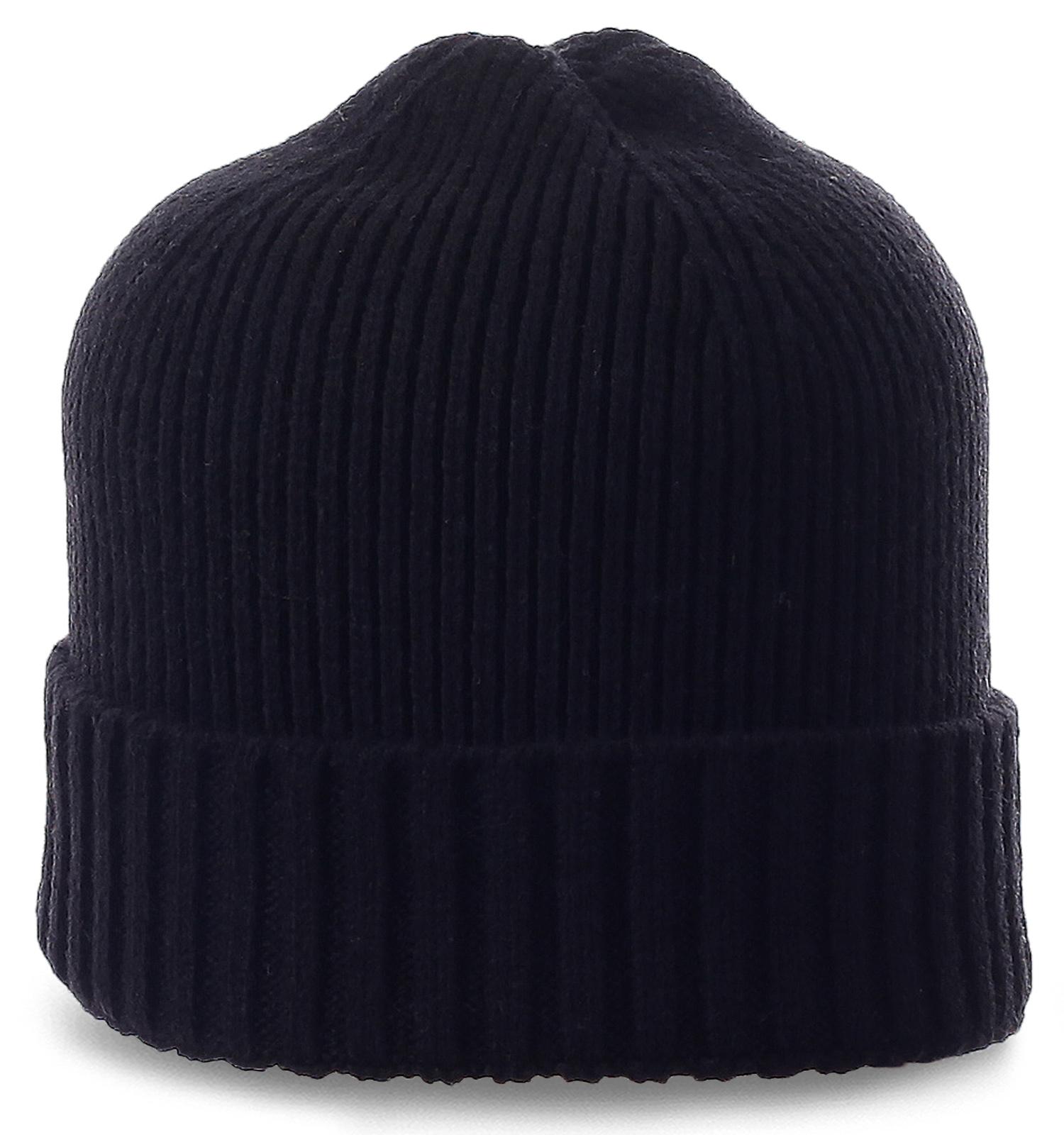 Лаконичная мужская шапка черного цвета. Универсальная модель на все случаи жизни
