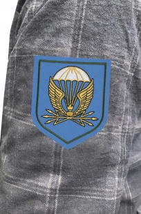 Лаконичная рубашка с вышитым шевроном 38 отдельный полк связи ВДВ - купить оптом