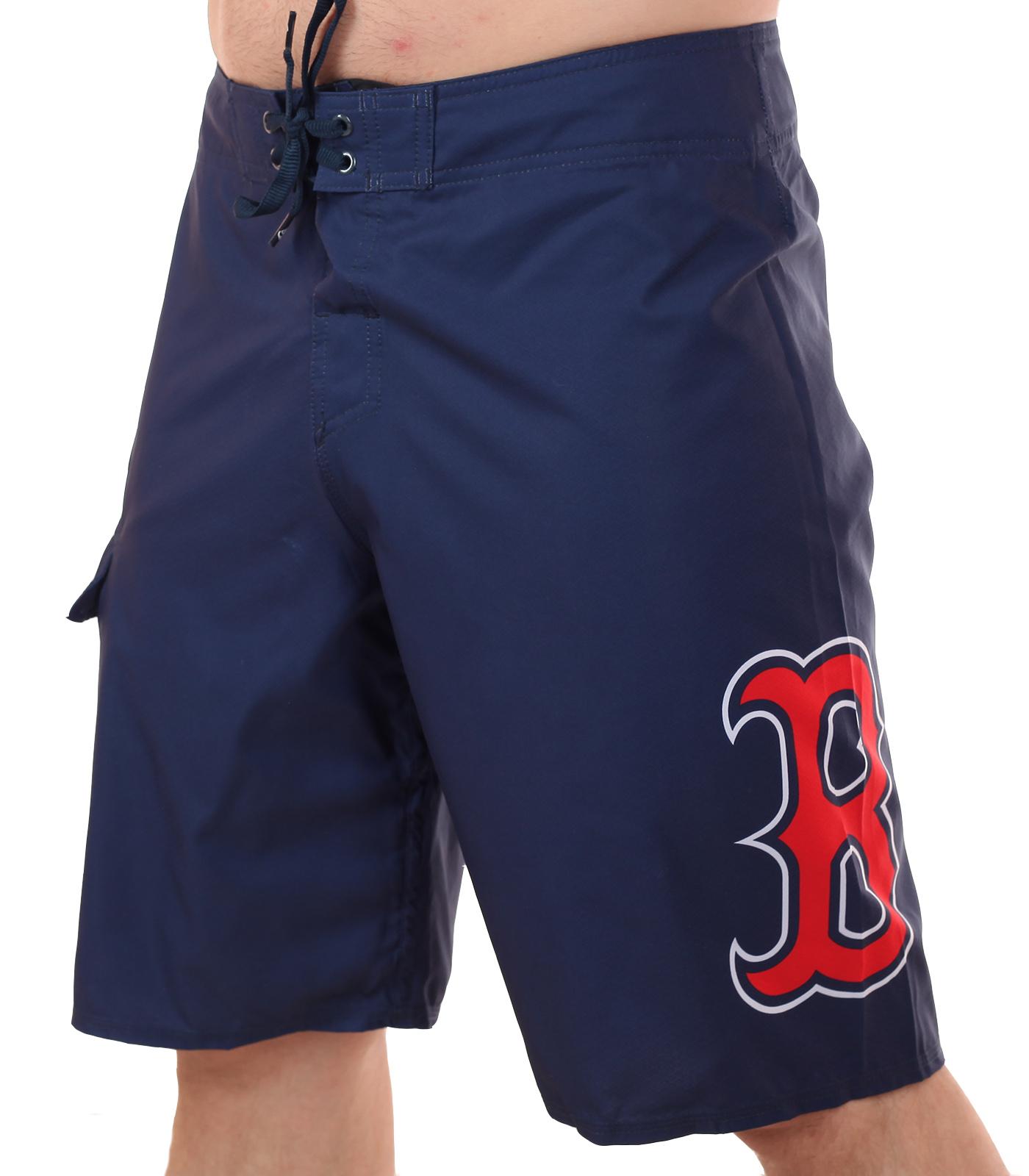 Лаконичные бордшорты с лого бейсбольного клуба MLB Boston Red Sox