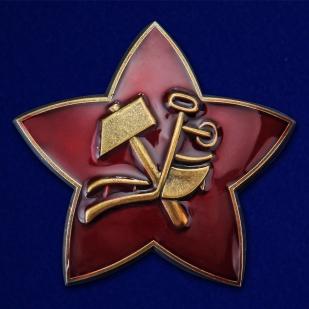 Латунная кокарда РККА 1918 г. - в красном презентабельном футляре - общий вид