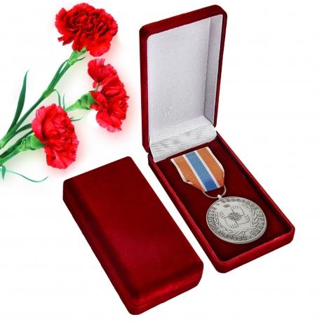 """Латунная медаль МЧС """"Участнику чрезвычайных гуманитарных операций"""""""
