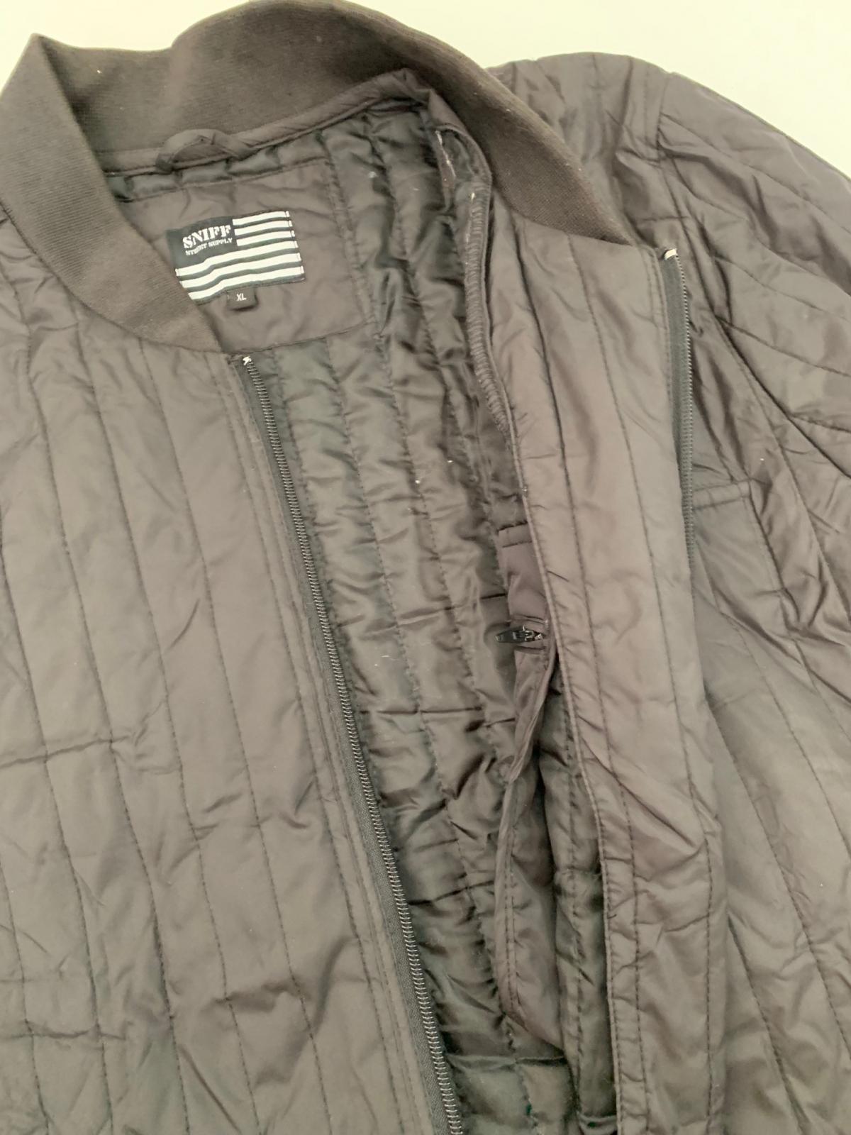 Легкая мужская куртка от бренда SNIFF