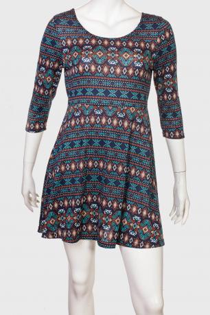 Легкое игривое платьице с узорчатым принтом