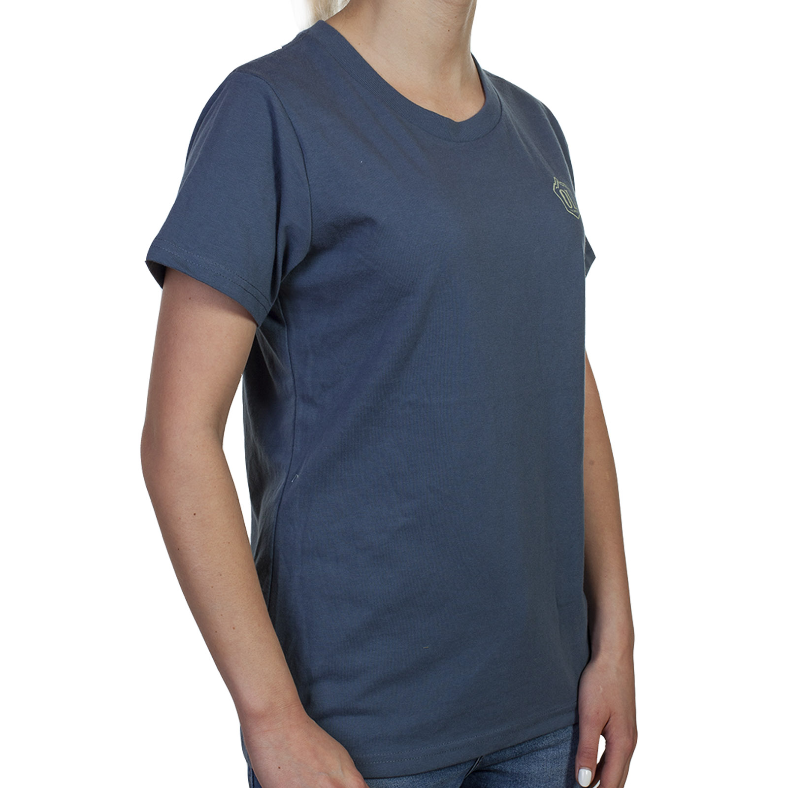 Красивые футболки фирменного качества для девушек и женщин