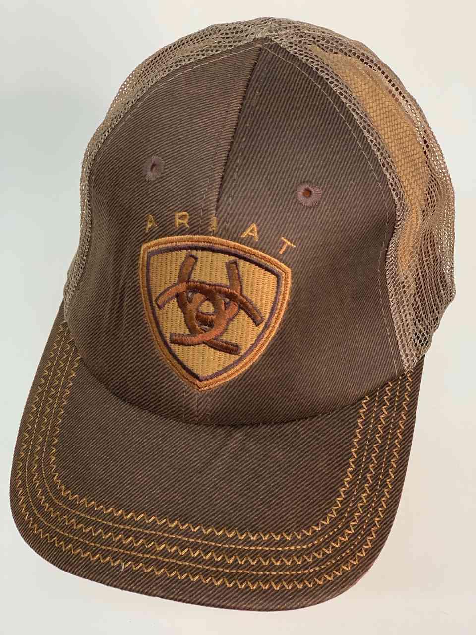 Летняя кепка с логотипом Ariat