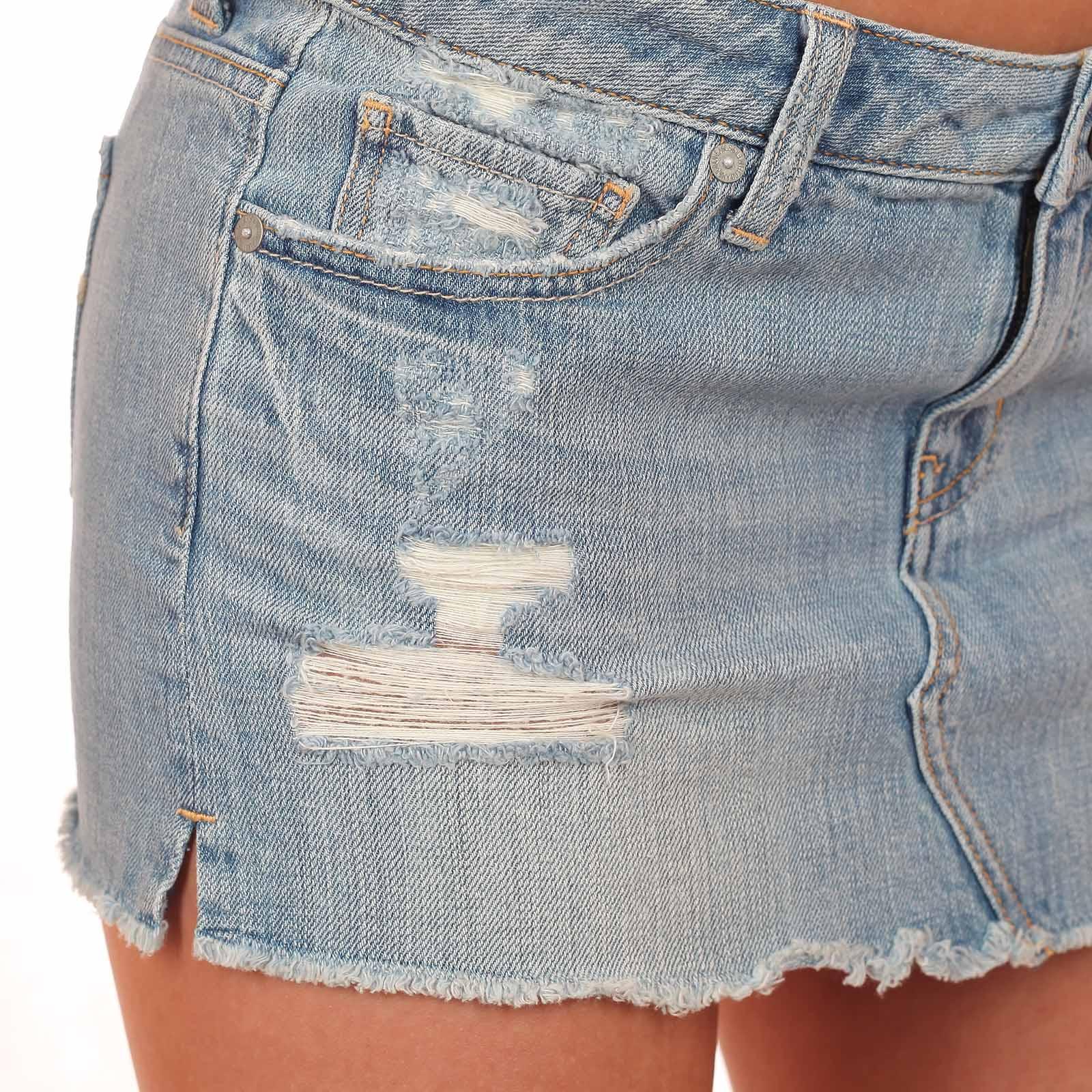 Лучшая джинсовая юбочка в твоем городе от American Eagle®. ОСТОРОЖНО! Возбуждают мужчин!
