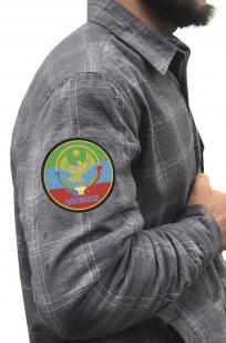 Лучшая мужская рубашка с вышитым флагом Дагестана - купить оптом