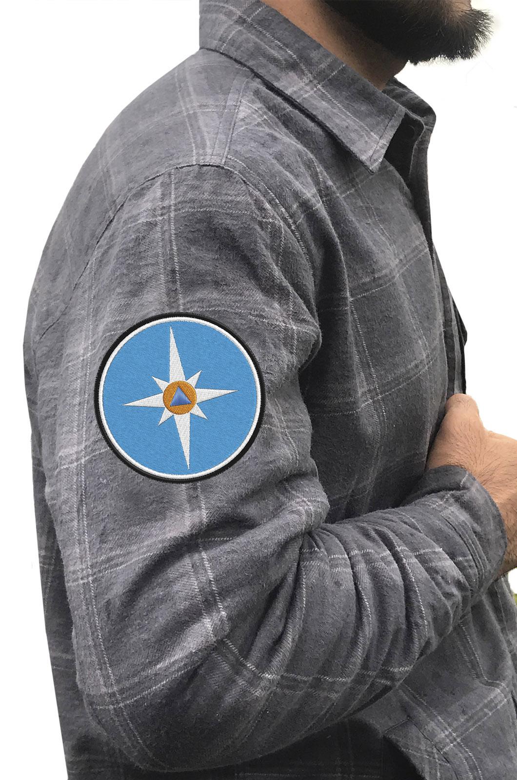 Лучшая рубашка с вышитым шевроном МЧС - купить выгодно