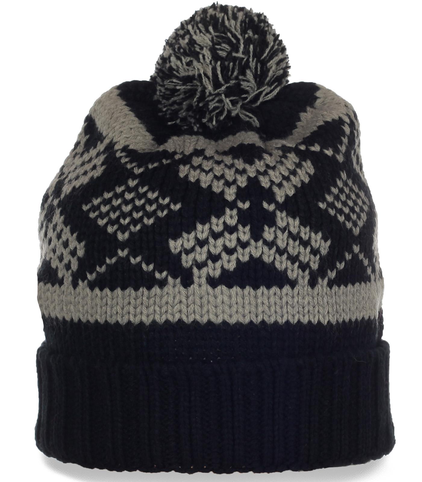 Лыжная шапочка с геометрическим узором и помпоном