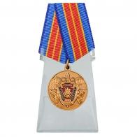Медаль 100 лет Уголовному розыску на подставке