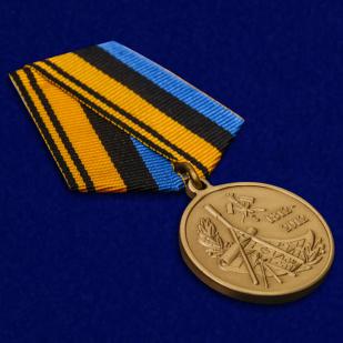Медаль 200 лет Военно-топографическому управлению Генштаба - общий вид