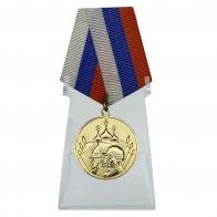 Медаль 23 февраля на подставке